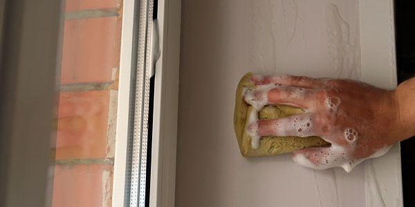Инструкция по выбору средств для мытья пластиковых панелей домашних окон