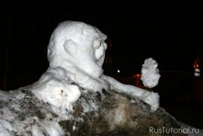 В снеговике-бюсте высоко ценится возможность передачи малыми снежными средствами эмоций, действий, каких-либо сюжетов.