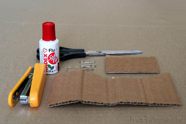 Всё необходимое для приготовления офисного пряничного домика